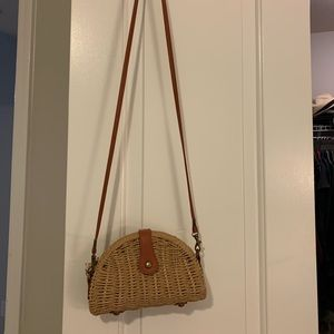 Handbags - Like new weave crossbody bag. Mint condition.